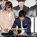 SH-120509簽名會-48