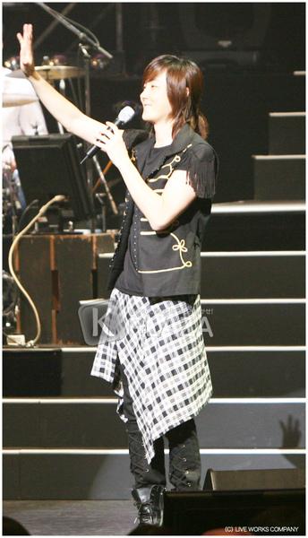 S-09日本演唱會官方圖5.bmp