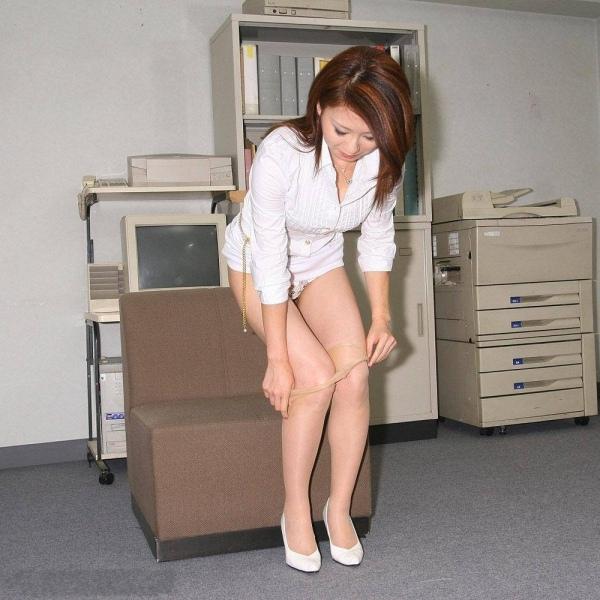 辦公室戀情發生中