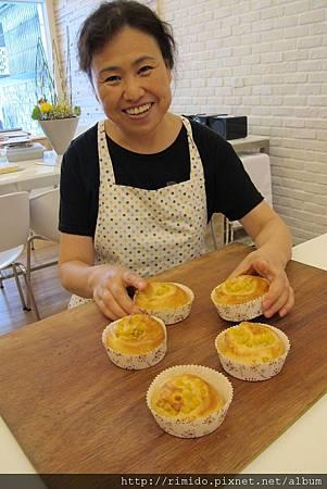 吳媽媽做麵包.jpg