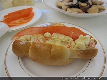 手工麵包與洋芋沙拉