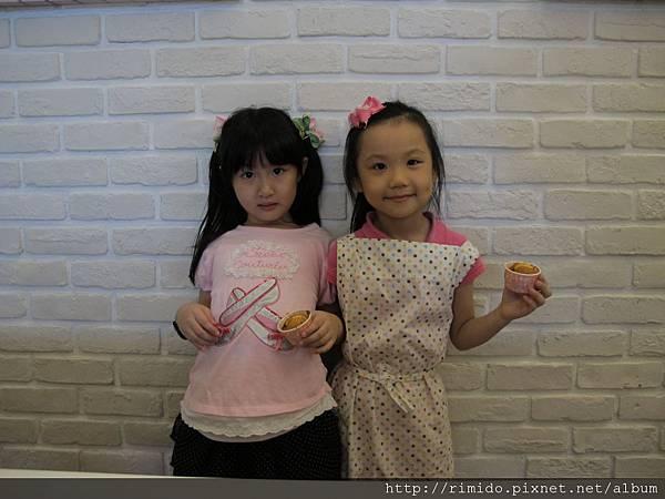 可愛妹妹做蛋糕-4