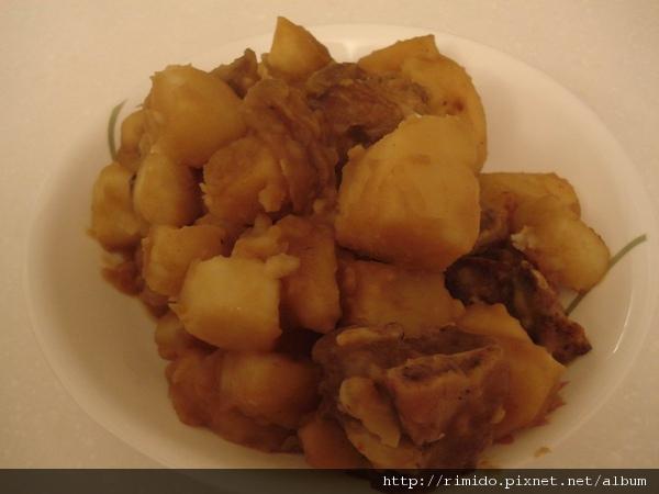 馬鈴薯燉排骨-4.jpg