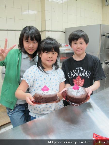 小朋友做蛋糕-2.jpg