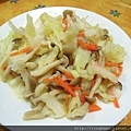 高麗菜炒鴻喜菇