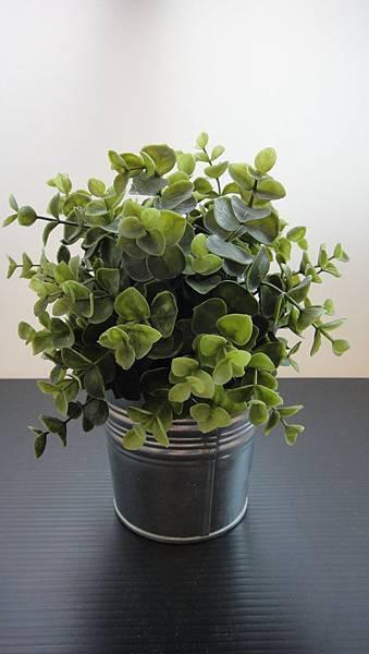 人造綠色盆栽