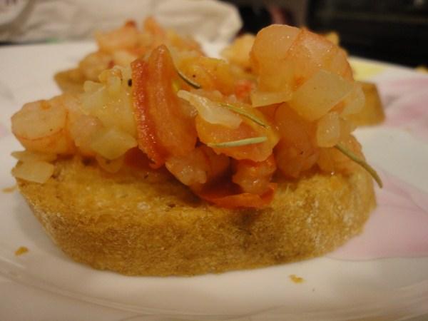 迷迭香蒜味蝦佐法國麵包