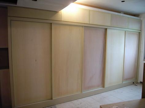 系統傢俱的衣櫃