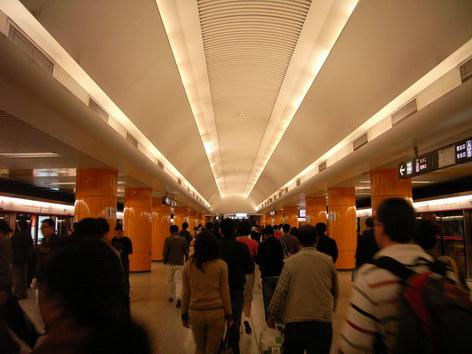 0420 地鐵東單站