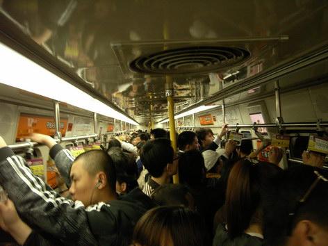 0420 非上下班時間的地鐵乘客