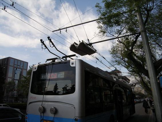 公車接電前