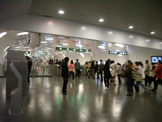 0421 地鐵站內觀