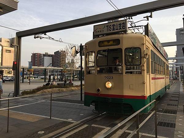 T-0409-富山電車 (2).JPG