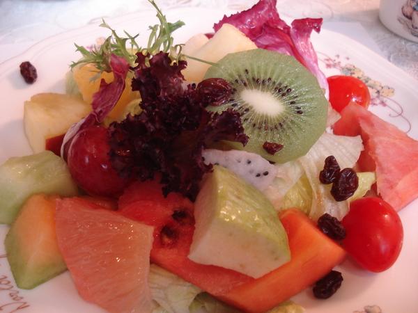 超有份量的水果蔬菜沙拉