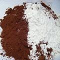 低筋麵粉和可可粉
