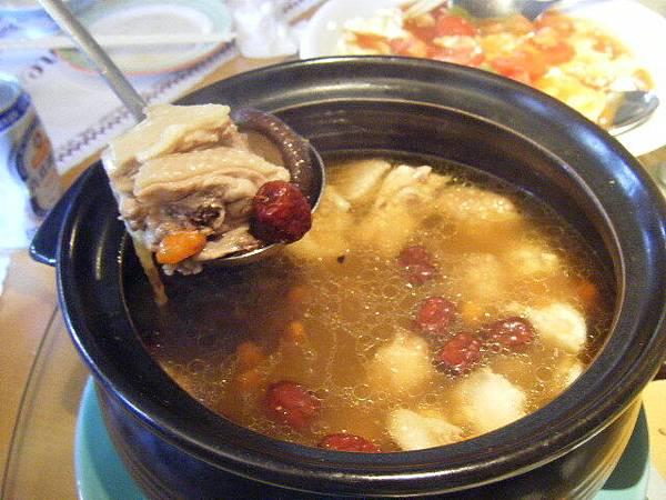 美味的香菇雞湯