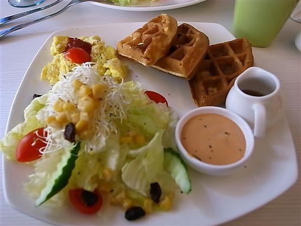 鬆餅早餐.JPG