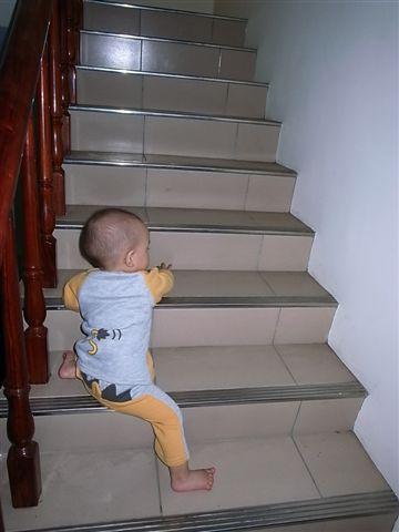 [12M]爬樓梯1.JPG