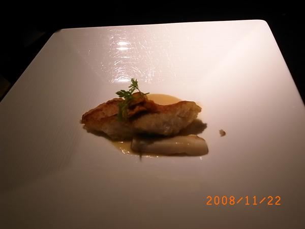 三井套餐魚肉.JPG