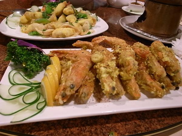 草根廚房炸蝦與炸魚.JPG