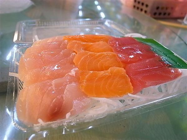 外帶生魚片.JPG