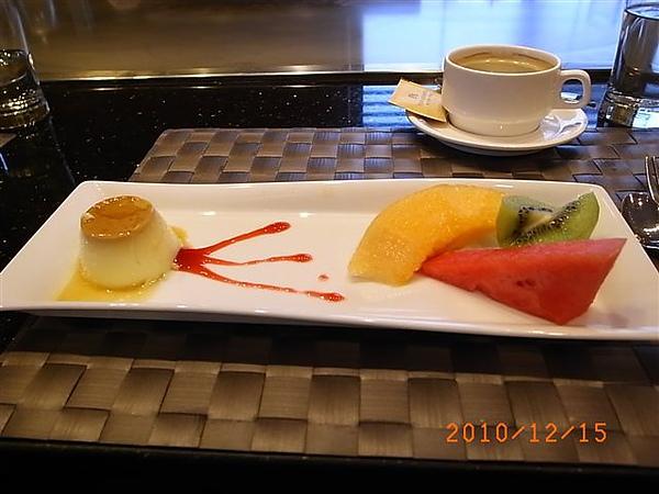 老爺鐵板燒甜點水果.JPG