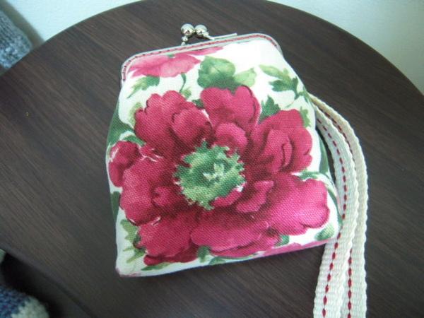 8公分ㄇ型玫瑰口金包 011.jpg
