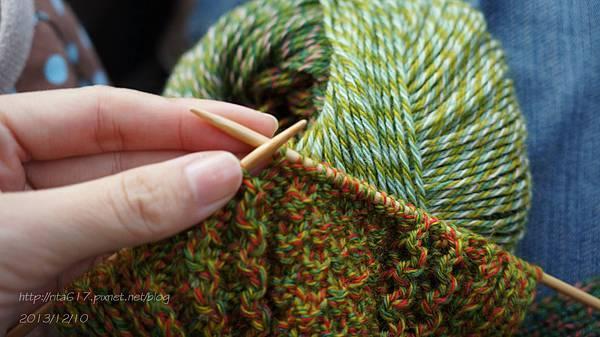 繽紛輕巧圍巾-1.jpg