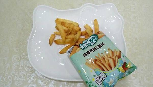 卡迪那95℃北海道起司風味薯條、檸檬烤雞風味薯條(9).jpg