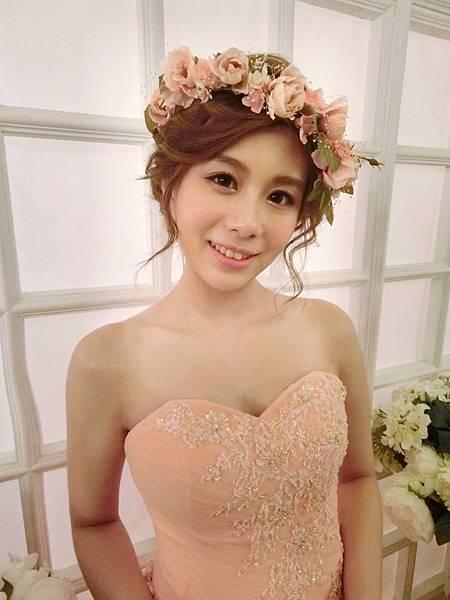 台北新娘秘書Rita cheng甜美花環.jpg