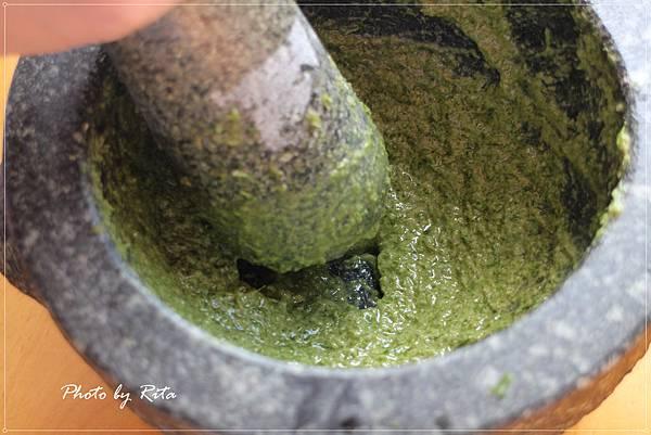 迷迭香鯷魚醬汁