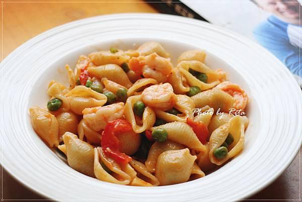 珠兒的甜豌豆與明蝦貝殼麵