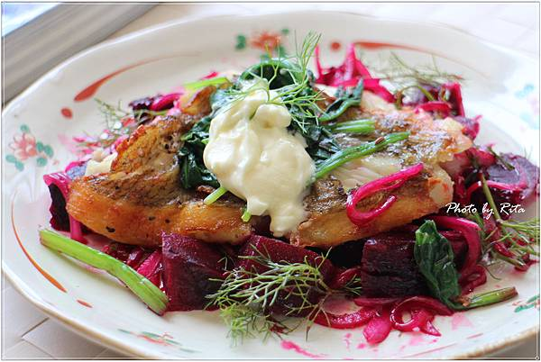 鰈魚和烤甜菜沙拉