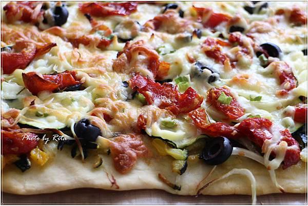 櫛瓜聖莫爾乳酪批薩
