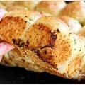 大塊分享的大蒜麵包