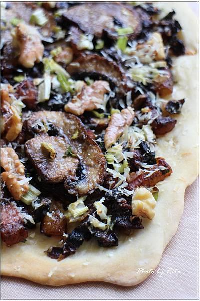 牛肝蕈披薩