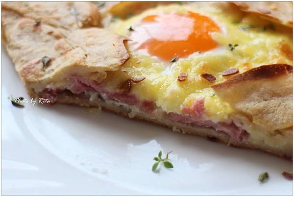 經典法式起司火腿薄餅