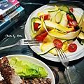 茴香籽烤肋排、櫛瓜沙拉