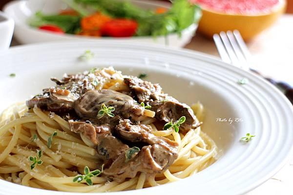 蘑菇醬義大利麵