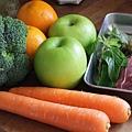 豬里肌與蘋果醬配焦糖胡蘿蔔、糙米與綠蔬