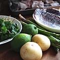 香酥海鱸魚配豌豆薄荷與蘆筍薯泥