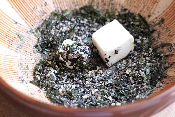 亞洲風綠蔬沙拉:豆腐、麵線與芝麻