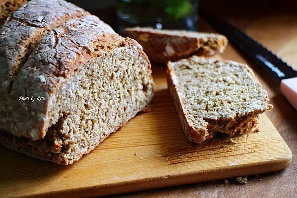 裸麥蘇打麵包