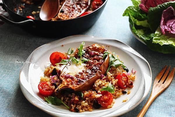 哈里薩醬烤茄子配橄欖與米飯