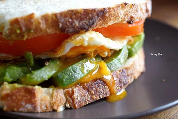 酪梨三明治