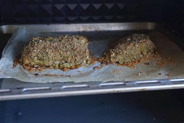 脆皮香蒜烤魚佐櫻桃番茄
