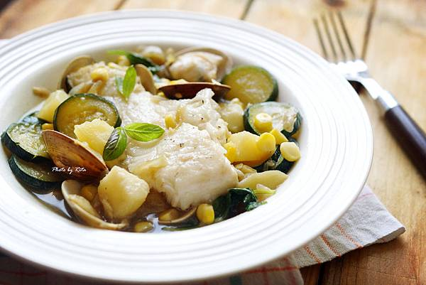 炒鱈魚片佐蛤蜊和玉米