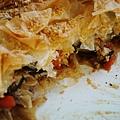 燉菜烤派:瑞可達起司、羅勒和杏仁