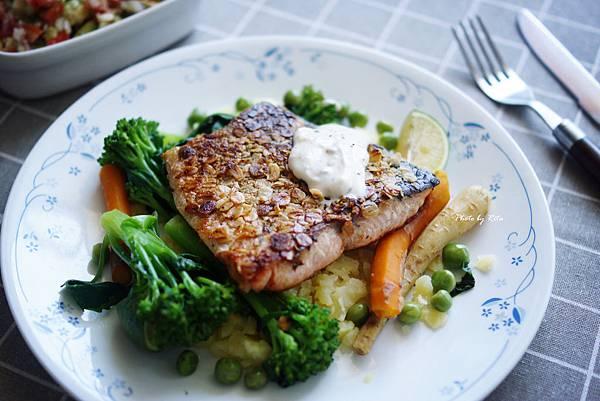 香煎鮭魚、燕麥與百里香