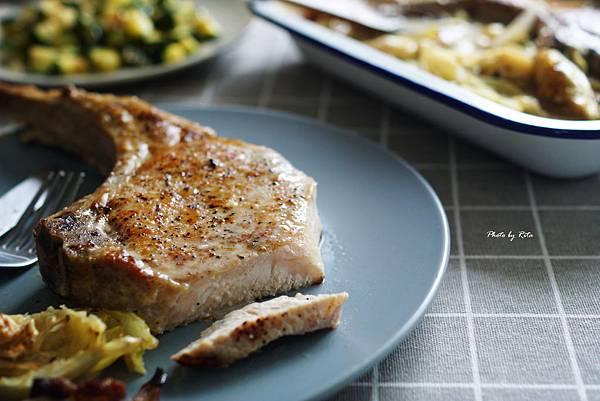 培根甘藍烤豬排
